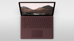 Microsoft Surface Laptop in rood